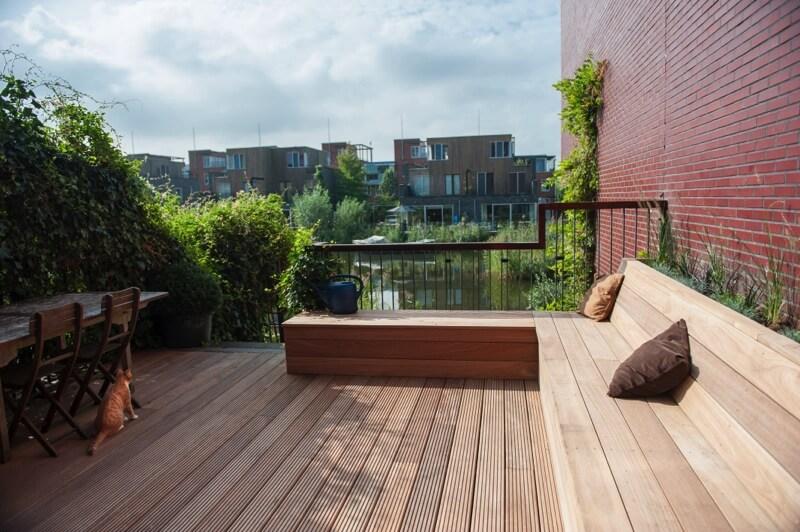 heerlijk houten terras aan het water kerngroen kerngroen. Black Bedroom Furniture Sets. Home Design Ideas
